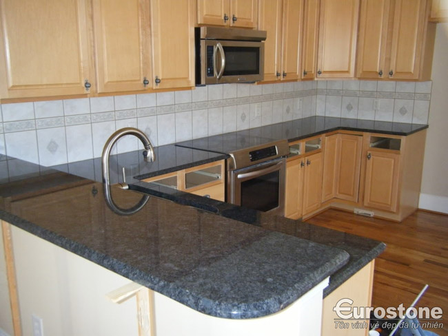 Blue Pearl granite 01